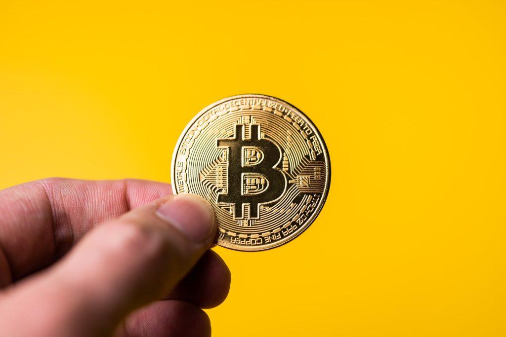 Microstrategy und Square Inc kaufen Bitcoin